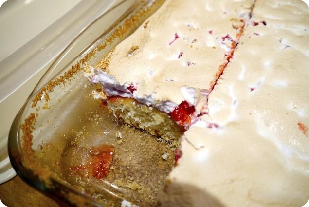 Vinbärskaka med marängtäcke - 3